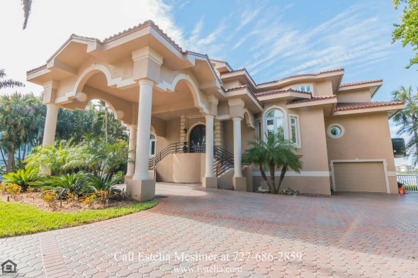 Luxury Waterfront Homes for Sale in St. Petersburg FL